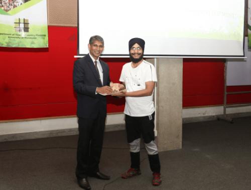 Tarnpreet Gill Wins Best Presentation Award At Geo...